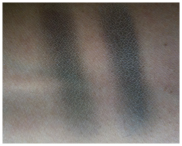 mac oomph swatch 2
