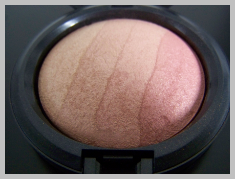 mac blonde close up MAC Naturally Collection Swatches