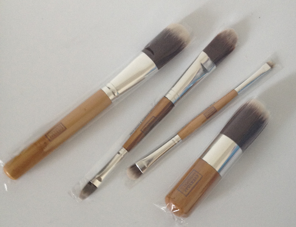 everyday minerals plastic Everyday Minerals Brushes