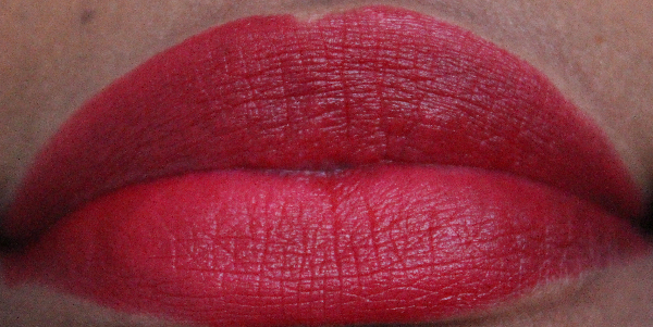 mac absolute power lip swatch