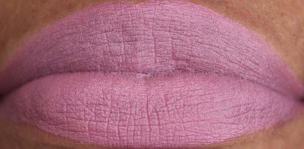 mac nocturnal instincts lip swatch