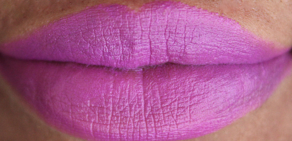 mac seductive intent lip swatch