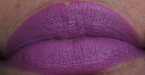 mac strong woman lip swatch