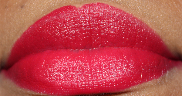 mac archie ronnie red lip swatch
