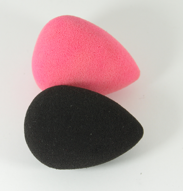 beauty blender pink and black