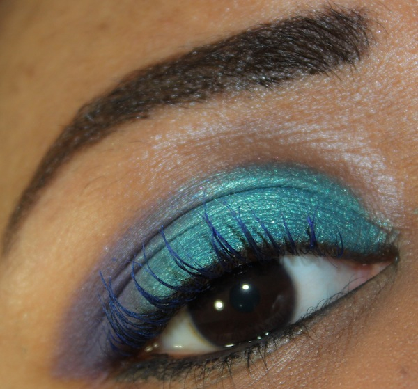 mac art of the eye eye swatch close up