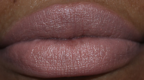 MAC sweet and sour lip swatch flash