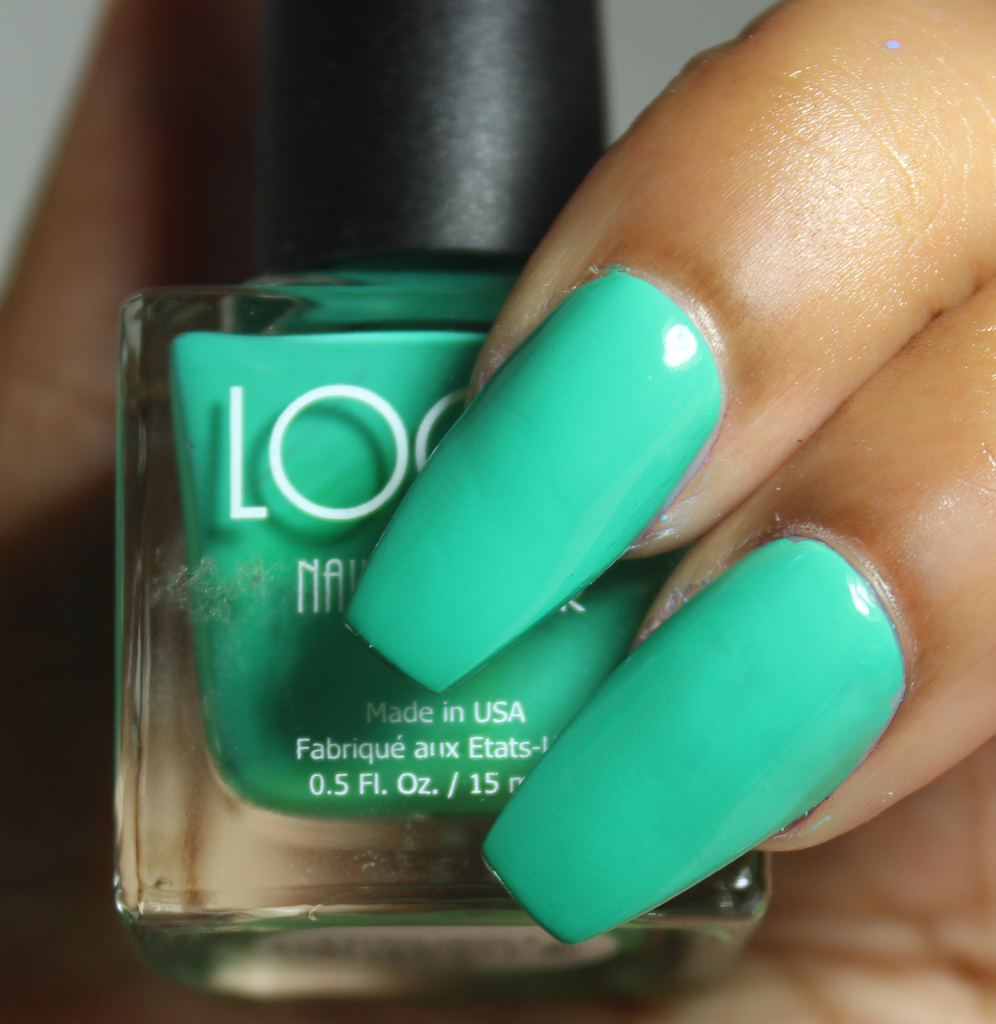 look nail color aqua