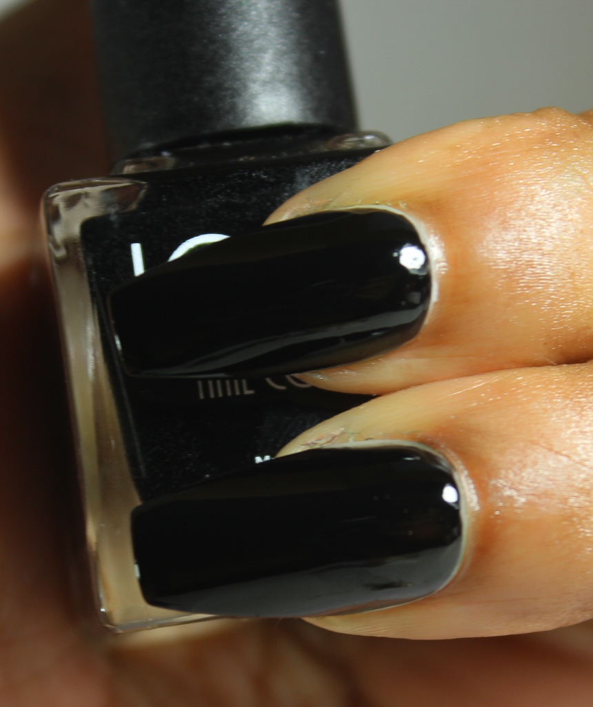 look nail color black