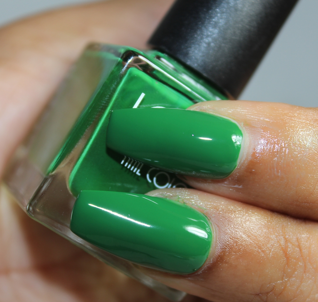 look nail color evergreen-2