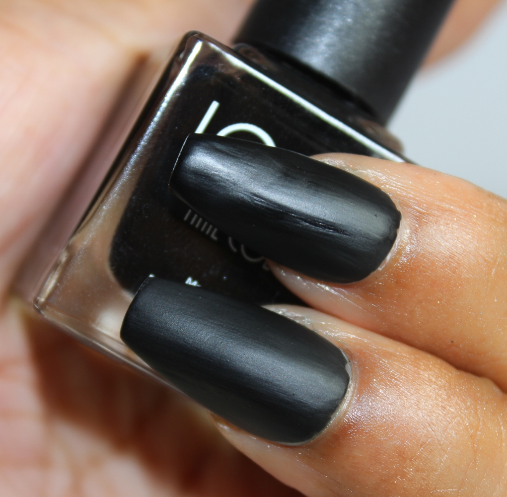 look nail color matte black-2
