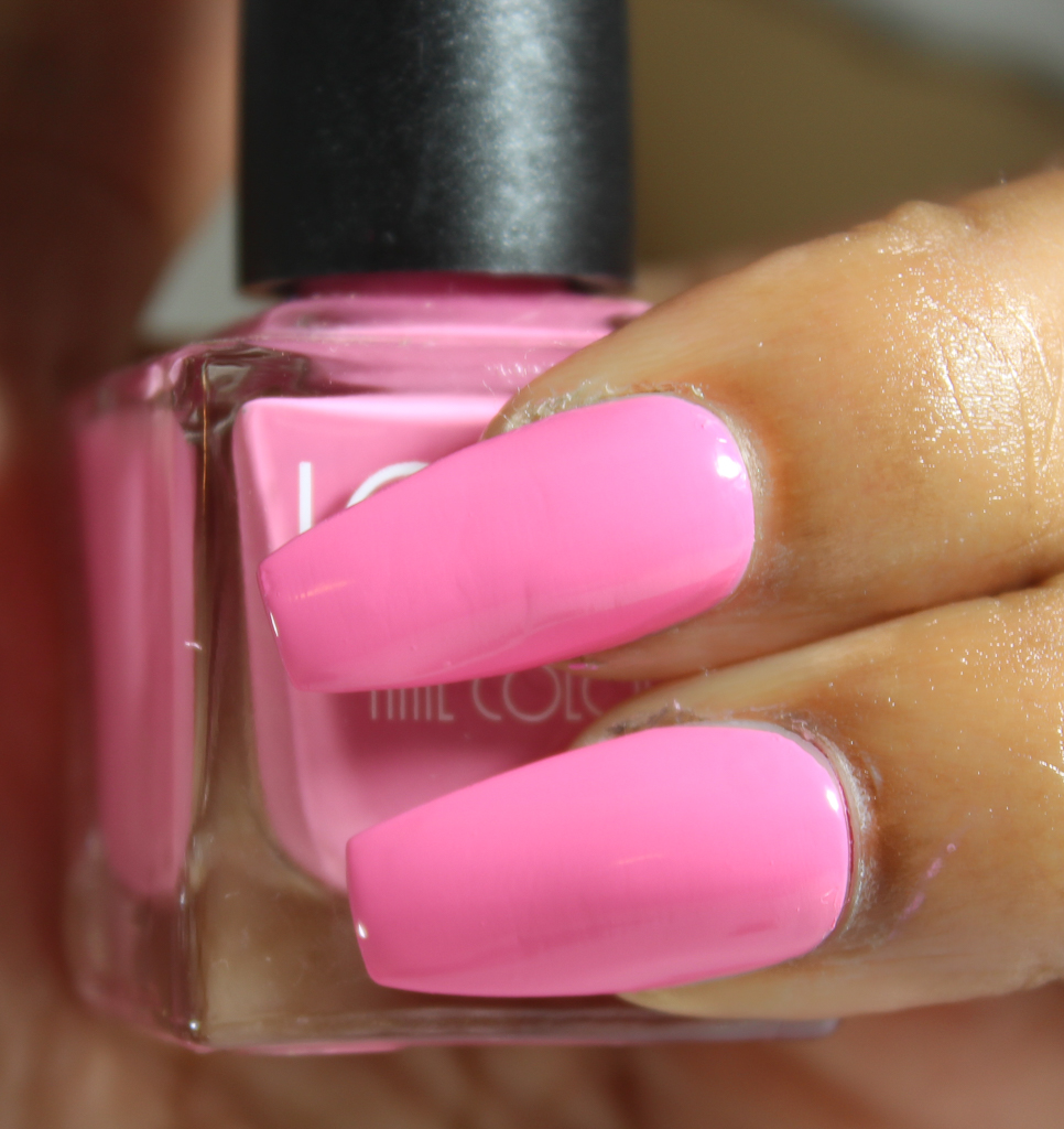 look nail color pink